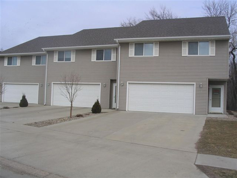Newcomb Dr. Apartment Sioux Falls